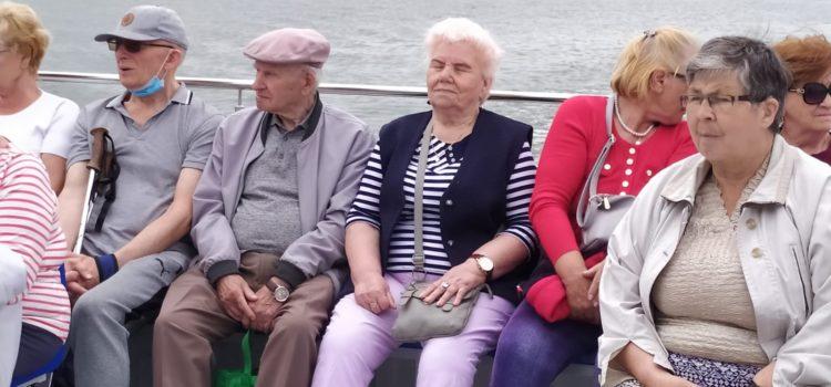 "REJS ""JULKIEM"" PO JAMNIE"